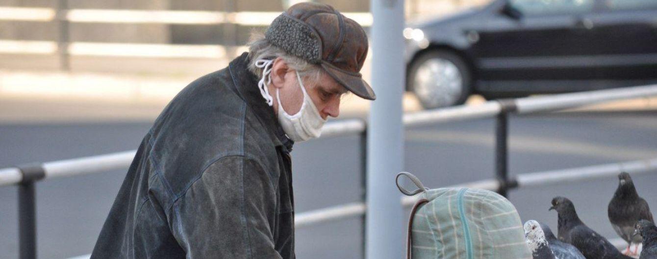 З огляду на антирекорд захворюваності, говорити про вихід з карантину недоречно - МОЗ
