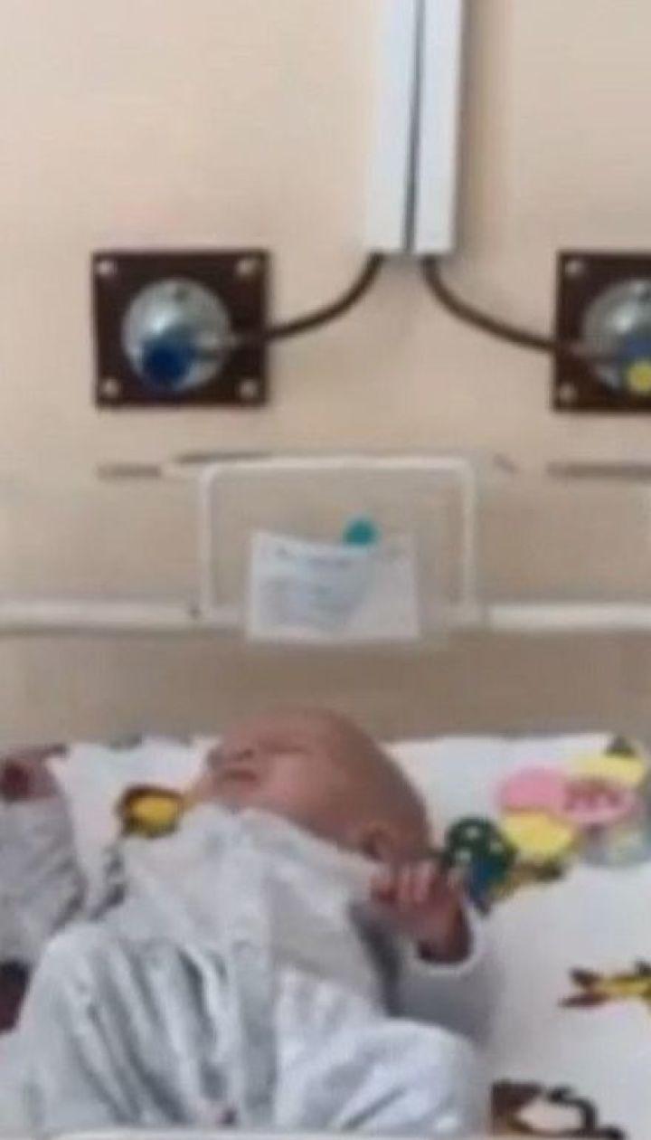 Роженица в Житомире родила двойню, но домой забрала только сына
