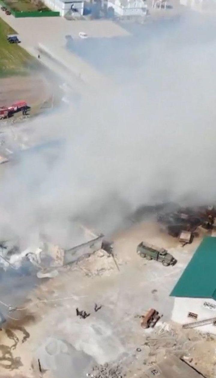 В Ровенской области из-за возгорания бочек с горючим, начался пожар в монастыре