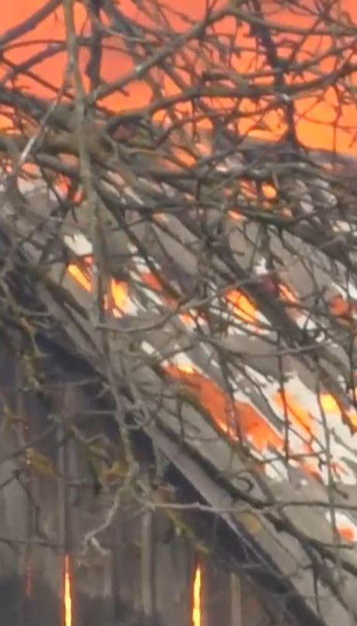 Вогонь із підпаленого поля знищив 32 будівлі села, пожежник - в реанімації