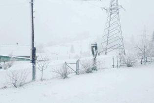 Закарпаття засипало снігом подекуди на 10 сантиметрів
