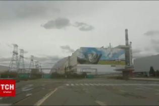 На Чорнобильській АЕС завдяки дощу більше не видно куряви від пожеж