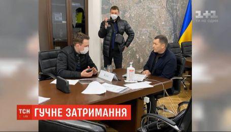 В Киеве на взятке 125 тысяч долларов поймали первого заместителя Кличко