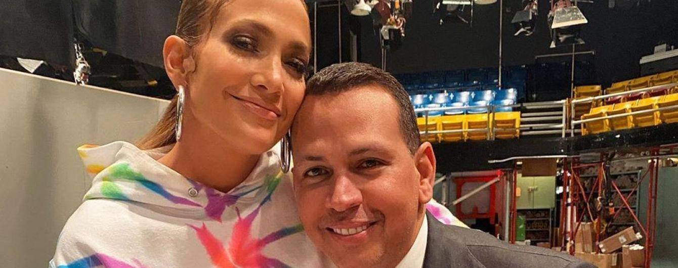 Дженніфер Лопес розчулила фанатів ніжними знімками з нареченим