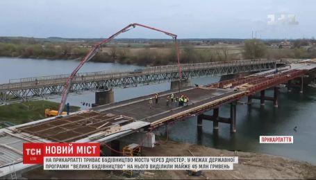 Большое государственное строительство: на Прикарпатье продолжают возводить мост через Днестр