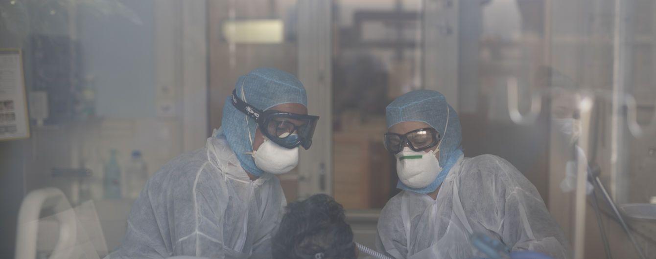В Украине коронавирусом заболели более тысячи медиков