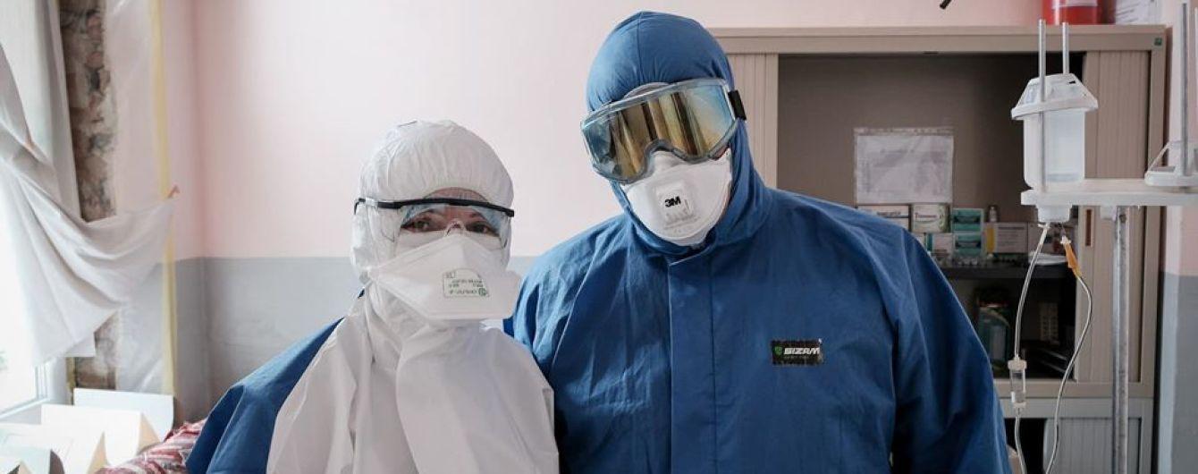 В Украине почти до 800 возросло количество инфицированных коронавирусом медиков