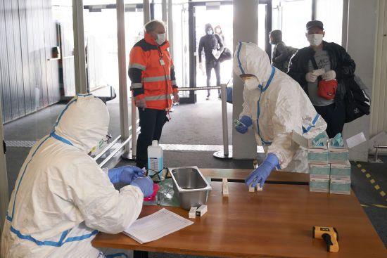Українські медики поспілкувалися з колегами з Китаю щодо лікування хворих на коронавірус