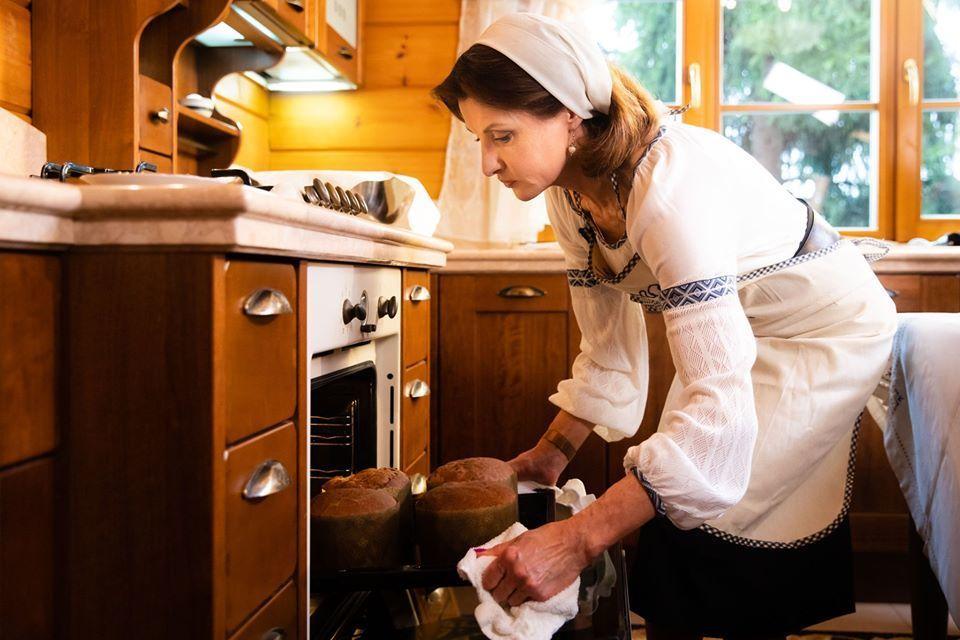 марина порошенко готує паску
