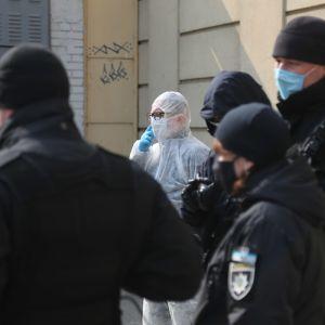 Поліція відкрила провадження через спалах коронавірусу на виробництві крабових паличок в Одеській області