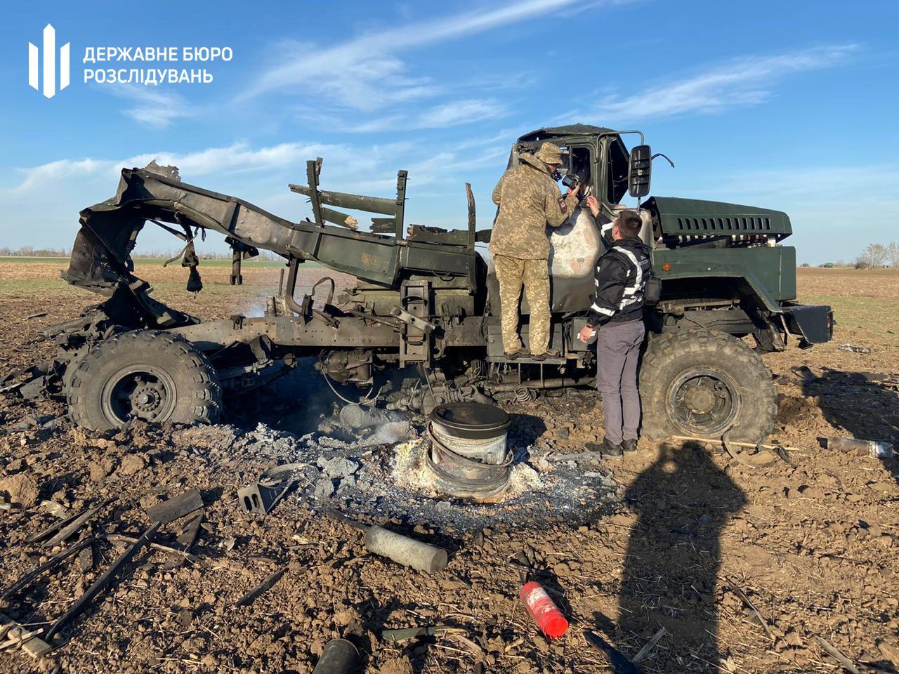 В військовій вантажівці вибухнули боєприпаси_2