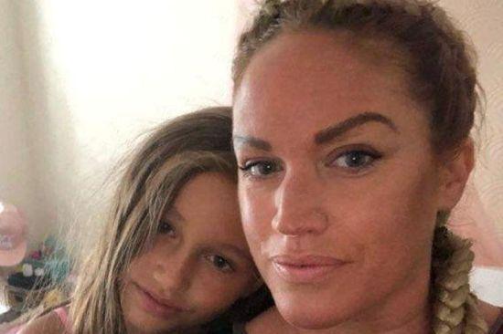 Дев'ятирічна британка шість разів поспіль врятувала свою хвору матір від смерті