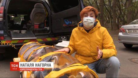 Волонтеры выкупили первый экземпляр капсулы, в которой будут перевозить больных коронавирусом