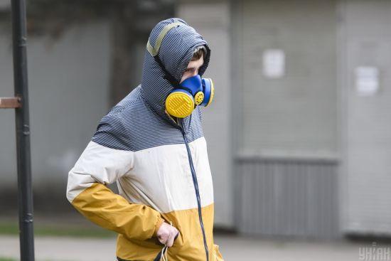 Коронавірус в Україні 17квітня: третійдень поспіль фіксують різкий стрибок смертності та понад 500 нових хворих