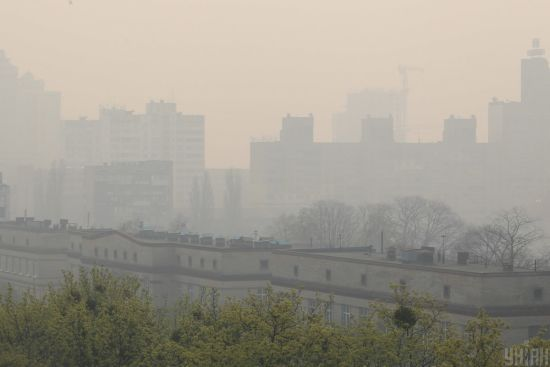 Київ знову вийшов на перше місце серед міст із найбільш забрудненим повітрям