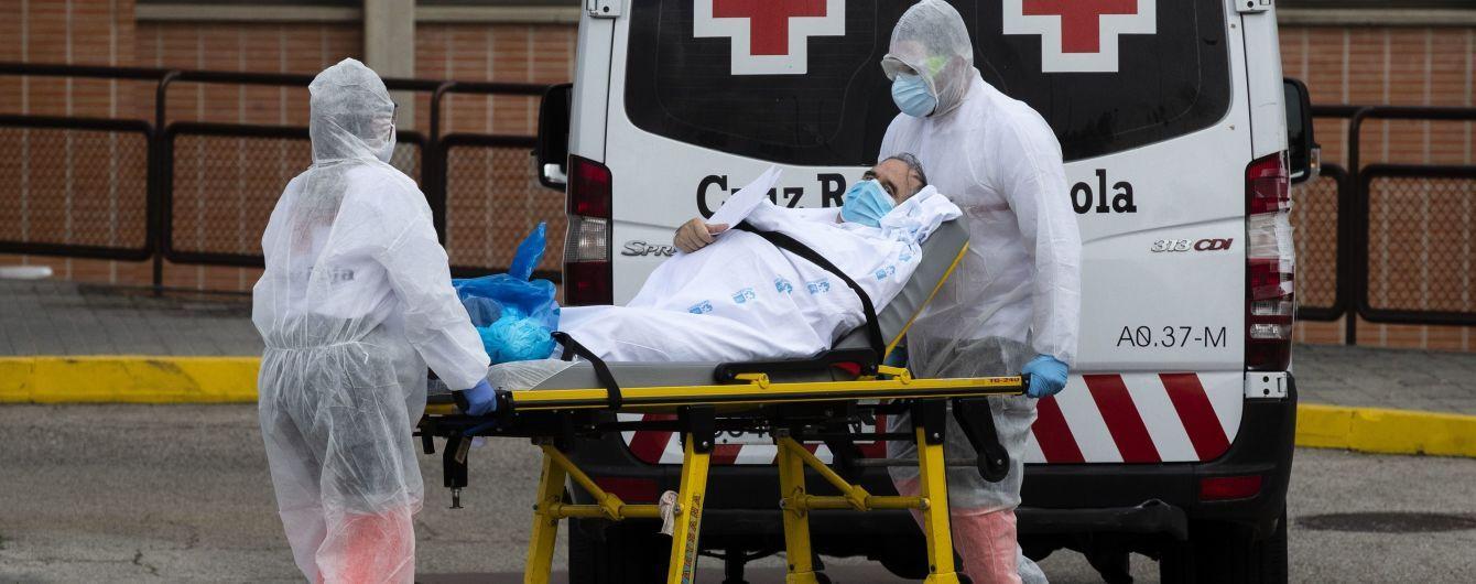 В США зафиксировали рекордную суточную смертность от коронавируса за все время пандемии