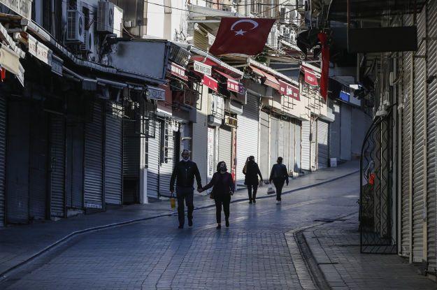 В Турции зарегистрирован рекордный суточный прирост смертей от коронавируса