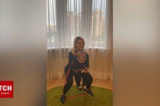 Миша Романова поделилась фитнес-лайфхакамии и показала, как приседает с сыном