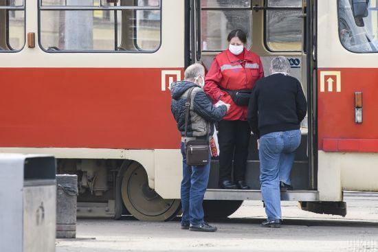Кличко спрогнозував, коли у Києві відновлять рух громадського транспорту в звичайному режимі