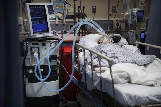 У Чернівецькій області 45 хворих на коронавірус пацієнтів перебувають в реанімації, серед них двоє дітей