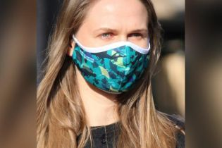 У США дайвери під час пандемії коронавірусу роблять захисні маски з океанського сміття