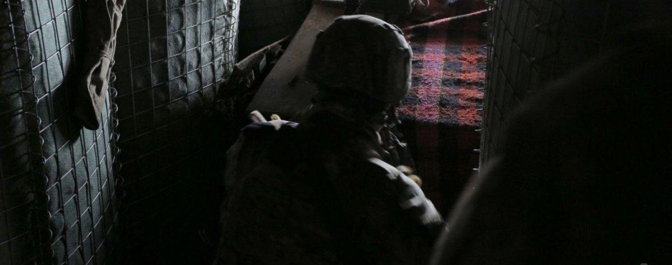 На Донбасі через обстріли бойовиків двоє українських військових зазнали поранень