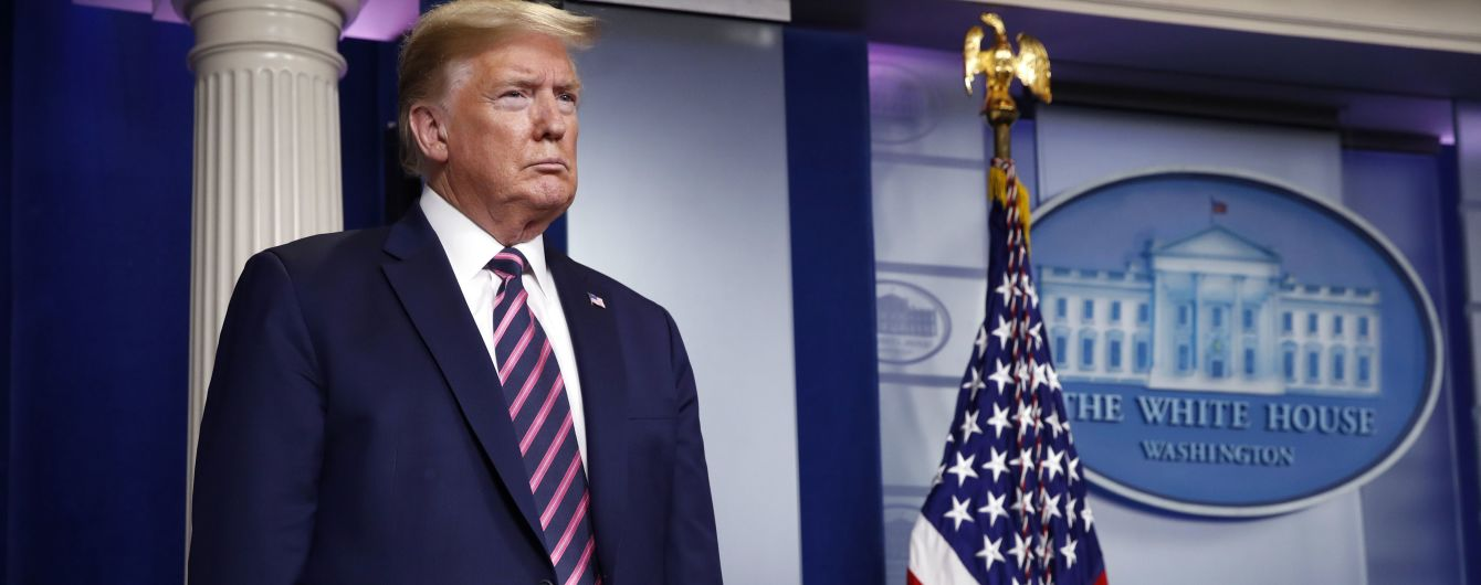 В США будут лишать свободы из-за повреждения памятников – Трамп подписал указ