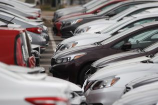 В Раде зарегистрировали альтернативный законопроект о растаможке авто