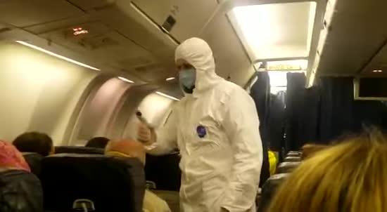 """Зі США до України прилетіли понад 250 наших громадян: літак приземлився у """"Борисполі"""""""