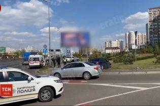 У Дарницькому районі Києва автомобіль збив на смерть жінку