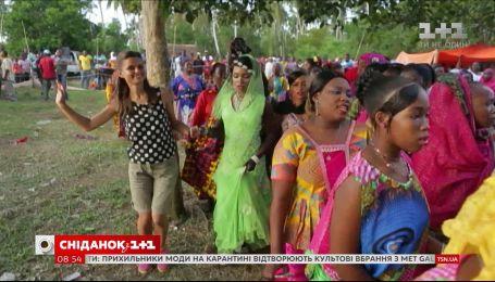 """Мій путівник. Острів Занзібар – місцева маршрутка """"Дала-Дала"""" і традиційне весілля"""