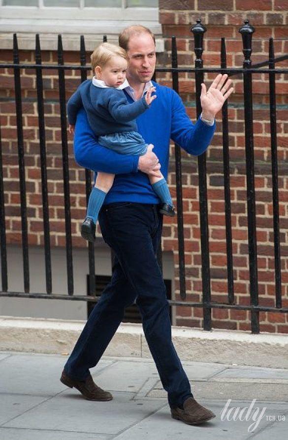 Кейт и Уильям с принцессой Шарлоттой_4