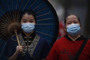 Коронавірус у Китаї не збавляє темпів: за добу COVID-19 підтвердили в іще двох сотень громадян