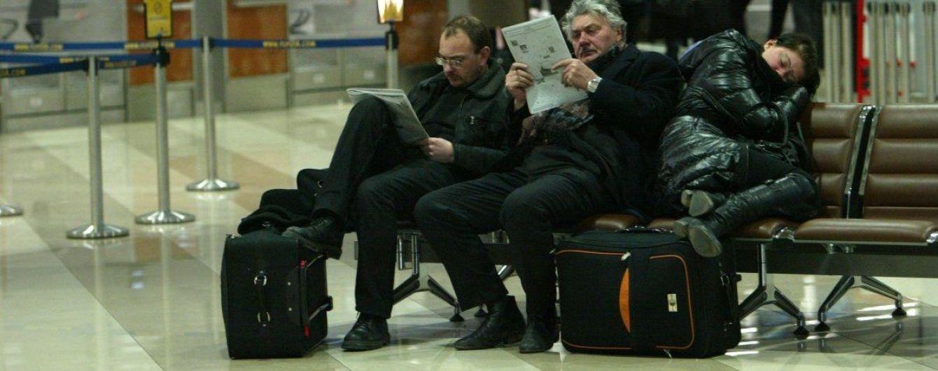 Польша начала выдавать рабочие визы украинцам