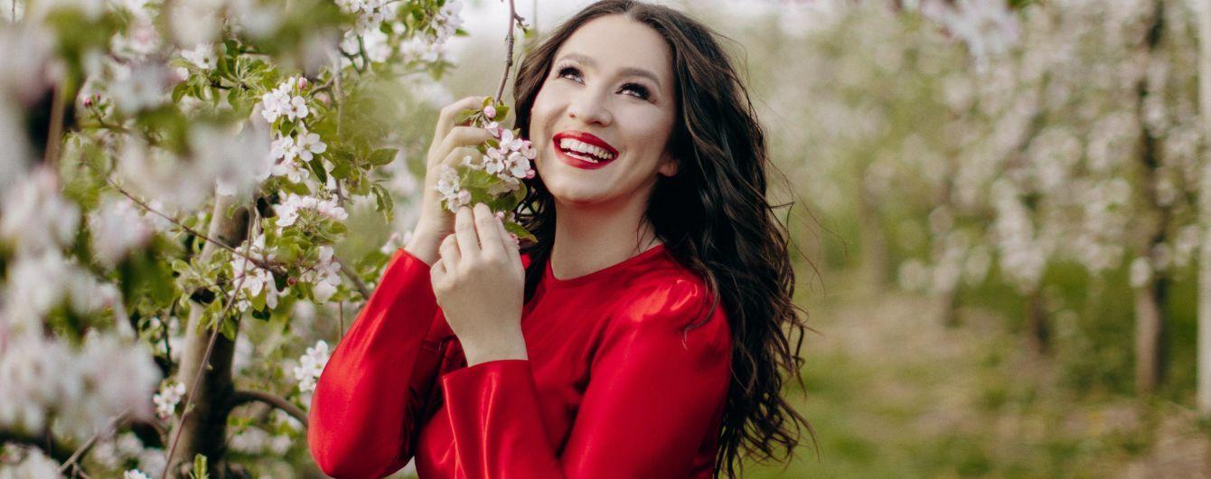 Наталка Карпа представила первую песню после рождения доченьки