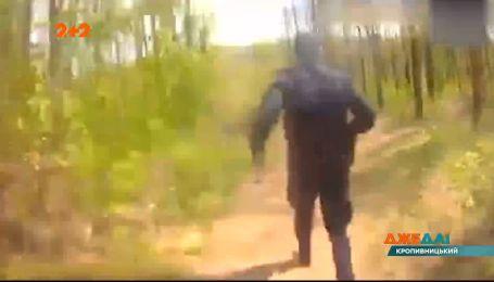 У Кропивницькому гонщик, тікаючи від копів, спробував сховатися у трубі