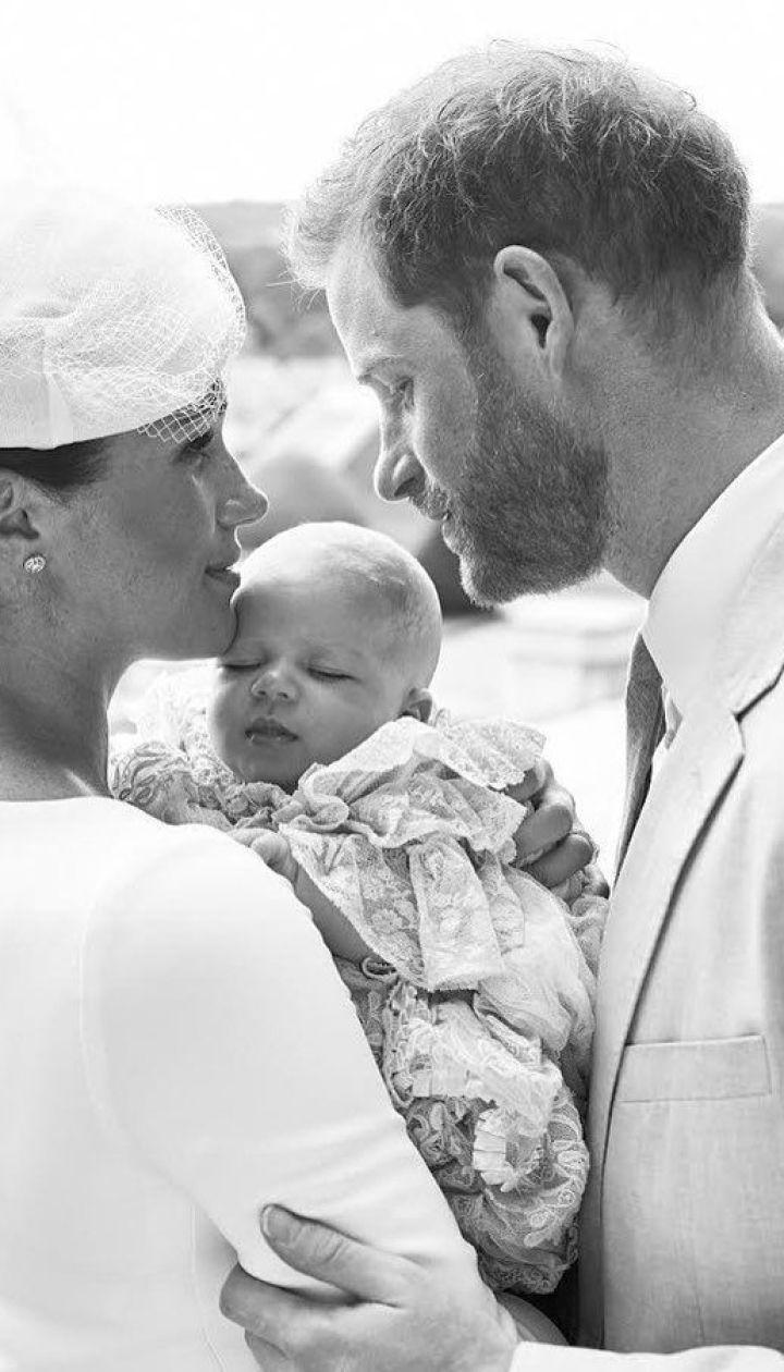 Герцогиня Меган і принц Гаррі з сином Арчі