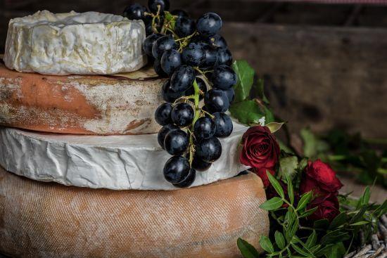Французів закликали виконати свій патріотичний обов'язок і їсти більше сиру