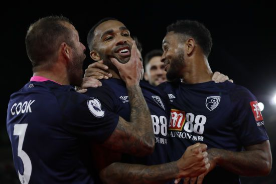 Англійська Прем'єр-ліга готова вигнати аутсайдерів, якщо вони не підтримають растарт сезону на нейтральних полях