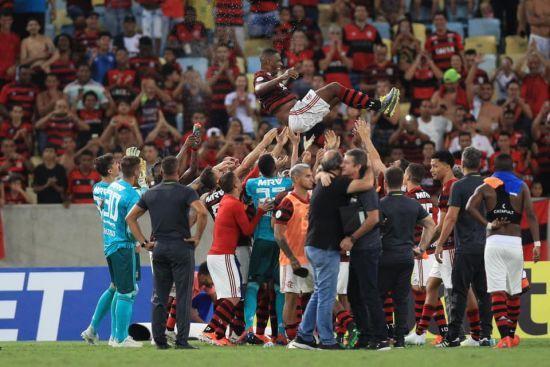 38 інфікованих: чемпіон Бразилії заявив про зараження COVID-19 у клубі