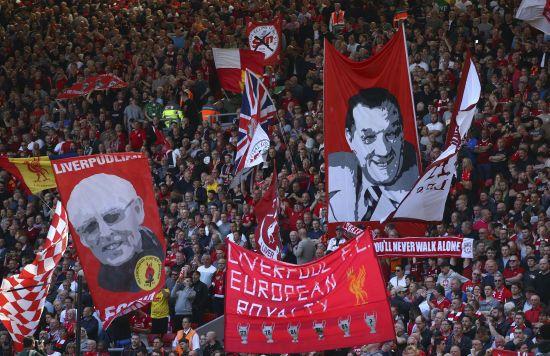 Оптимістичний план Джонсона: в Англії фанатів можуть пустити на стадіони вже восени