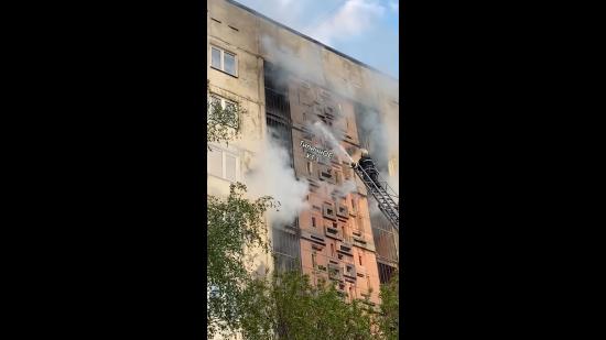 У Харкові горіла багатоповерхівка: очевидці опублікували приголомшливі відео
