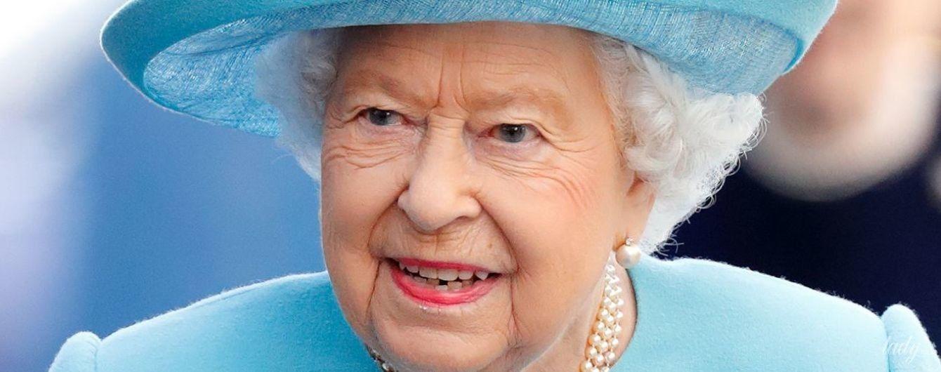 Ювелирная шкатулка королевы: любимые украшения Елизаветы II