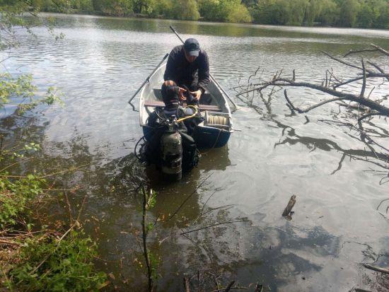 У Вінниці з дна озера дістали тіло 21-річного хлопця, якого шукали понад добу