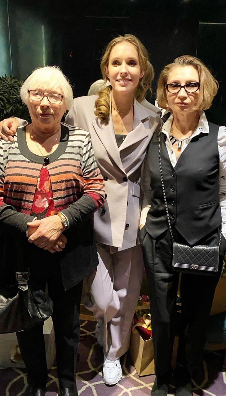Катя Осадчая с мамой