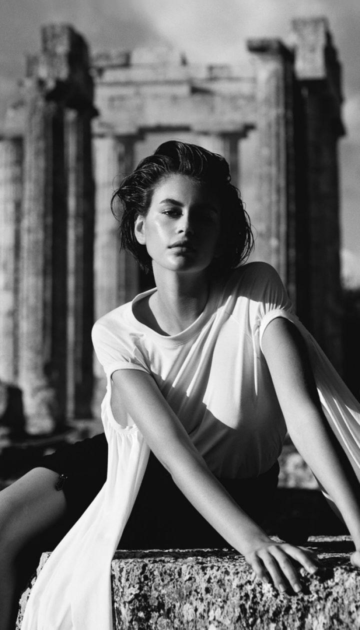 Кайя Гербер в фотосете для Vogue UK