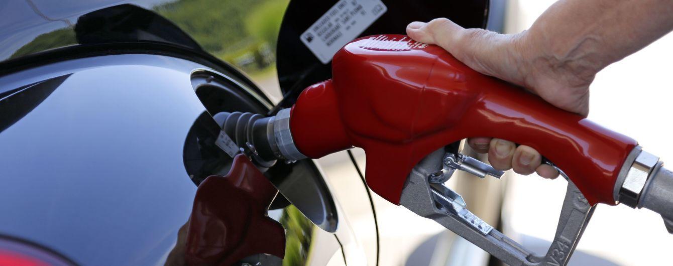 Крупнейшие сети АЗС Украины подняли цены на автогаз