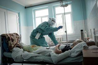 В Ровенской области коронавирусом заразились еще более полсотни человек от 22 до 74 лет