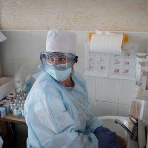 Смерти от коронавируса зафиксировали почти во всех регионах Украины: где ситуация 30 сентября самая плохая