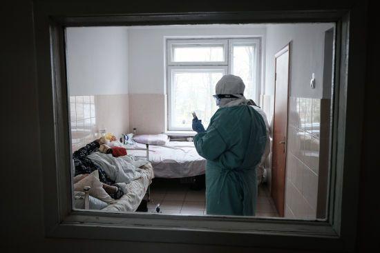 В Україні різко зросла кількість нових випадків коронавірусу: статистика на 2 липня